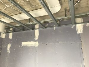 Drywallmachines-uk-SUSPENDED-CEILINGS-Duet-Salford-Quays-Apartments (4)